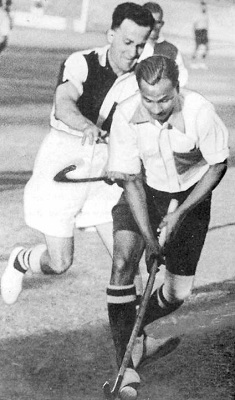 school-chalao-dhyan-chand2. image